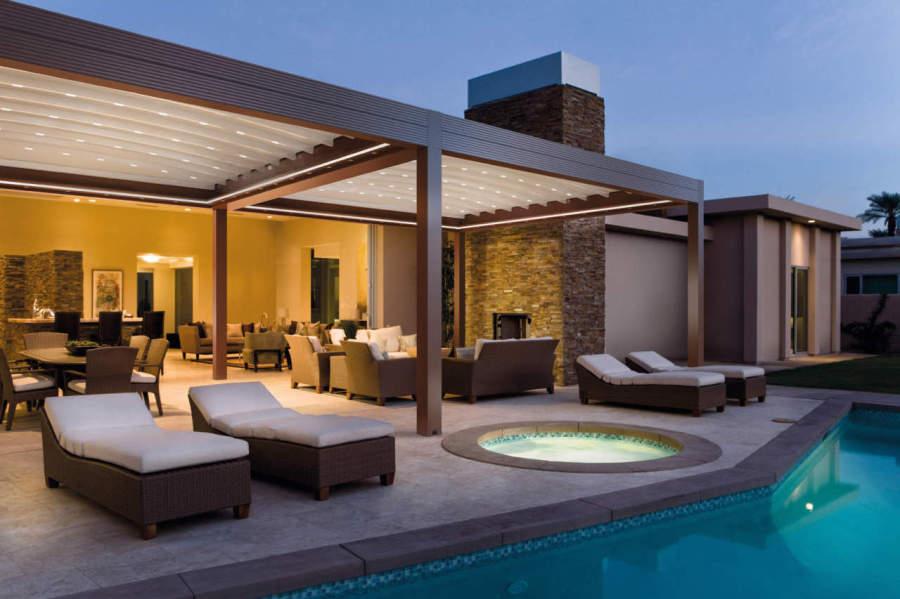 Pergotenda pergole bioclimatiche for Casa di costruzione in metallo con avvolgente portico